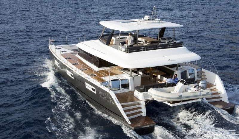 crewed_luxury_yacht