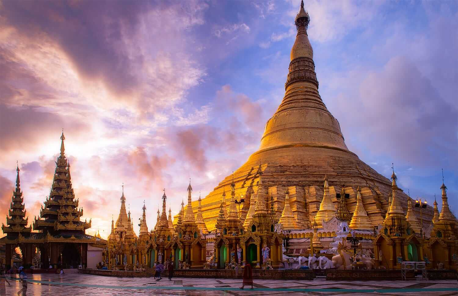 Shwedagon Pagoda at Sunrise