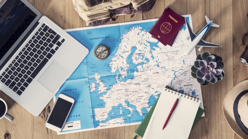 Plan a Trip - The Guide to Organize and Save on Vacation!